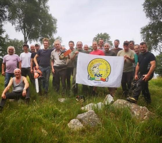 La sezione Laghetto, in provincia di Lecco, al lavoro sui sentieri del monte Legnone